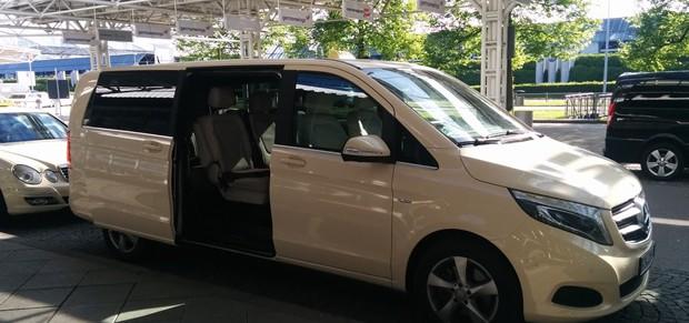 Taxibus vom/zum Flughafen München